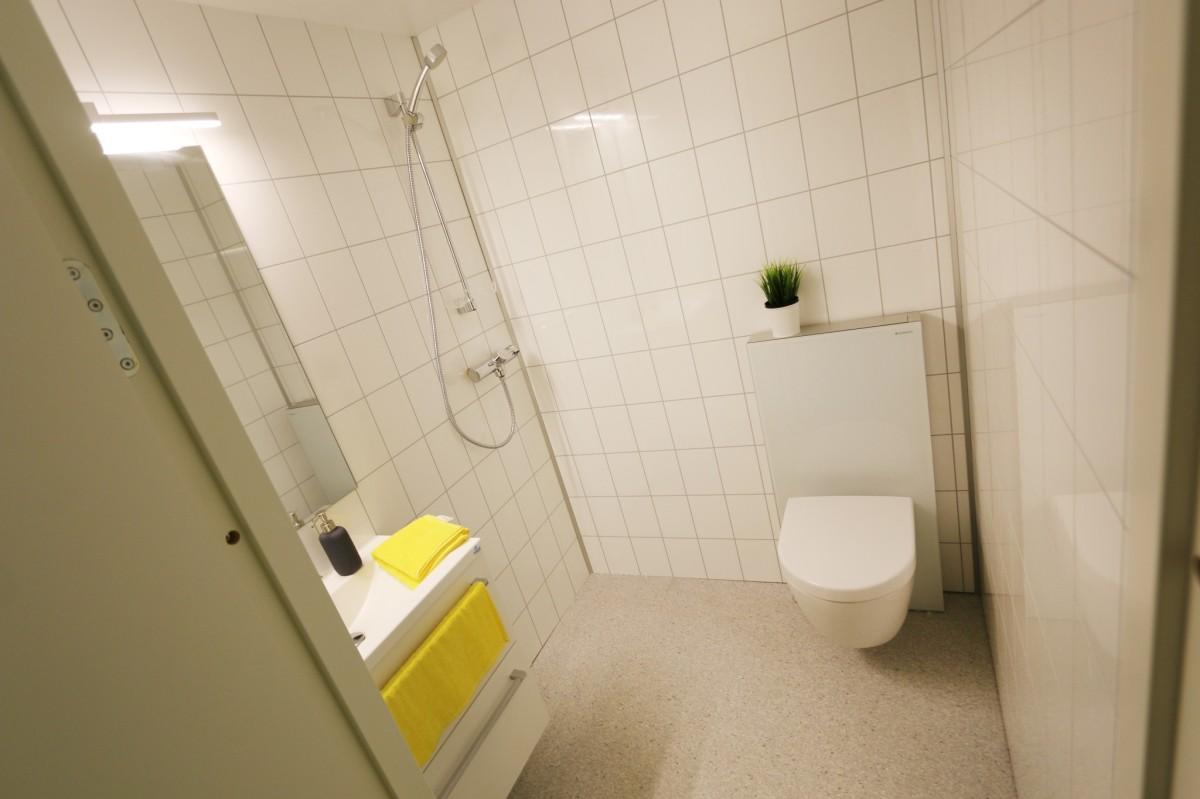 Lyst og fint bad med varmekabler